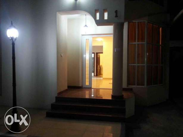 For rent a villa inside compound in Al Mureikh Area