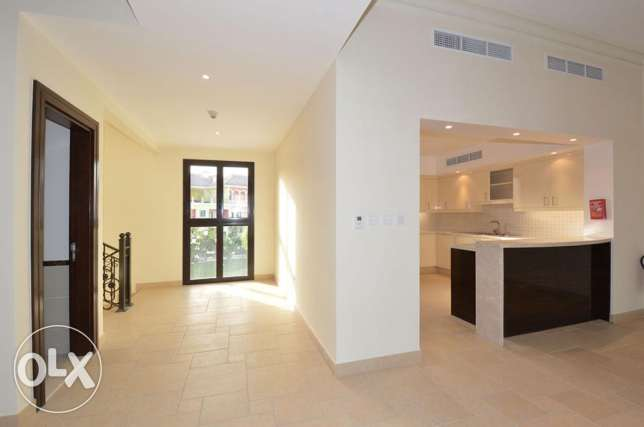 Wide 3 Bed Town House in Qanat Quartier الؤلؤة -قطر -  3