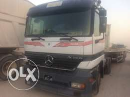 Head and trailer selling 2000 model