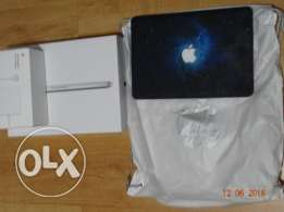 LIKE NEW Macbook Pro 13.3 inch with Retina Display FREE accessories