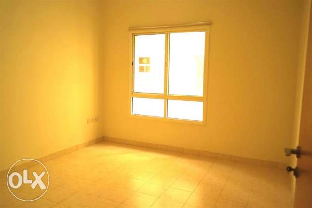 Beautiful 2 bedroom un furnished apartment in muntazha
