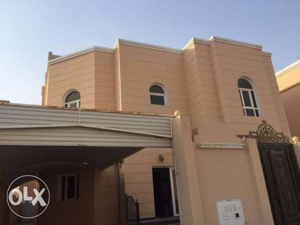8 Bedroom villa for rent available in Al Kheesa