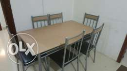 Used dining table on SALE