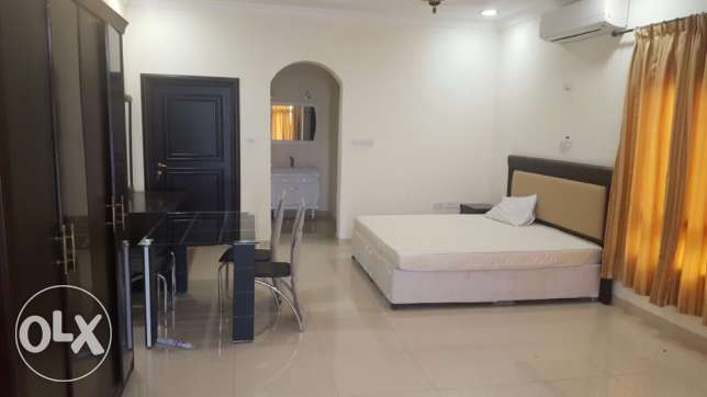 Big studio available near tawar mall. Furnished. Executive