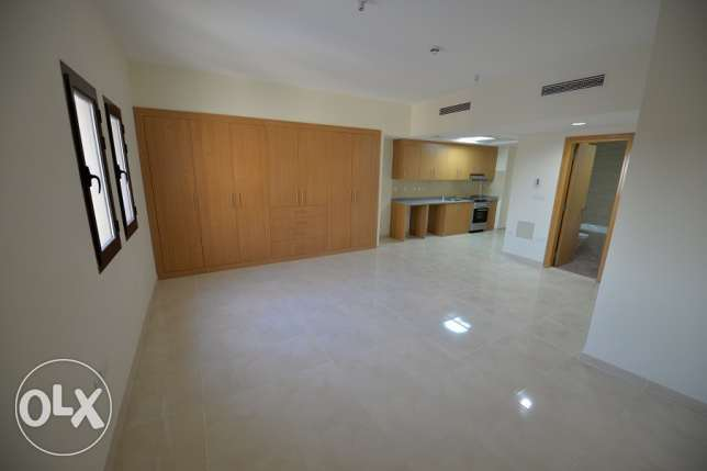 unfurnished hstudio apartment with wardrobe & Central A/C for rent in