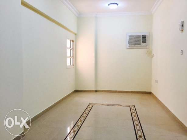 MUN70 - Spacious Unfurnished 2 Bedroom Apartment Near Holiday Villa