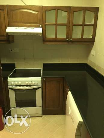 Luxury flat 2BR compund 7,850QR full Faslties and FullFunsherd فريج بن محمود -  5