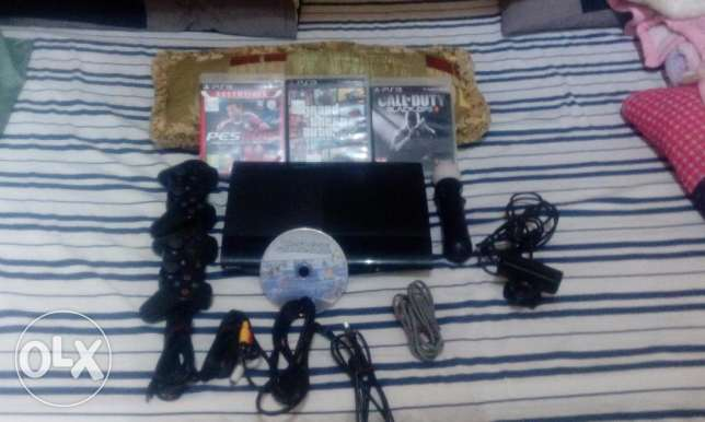 ps3 limited edition - 3 controllers - 4 games - 1tb - ps3 camera الؤلؤة -قطر -  2