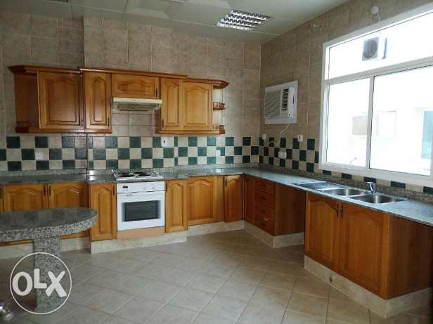 NO COMMISSION - 3 bedrooms compound villa in Salwa Road السد -  1