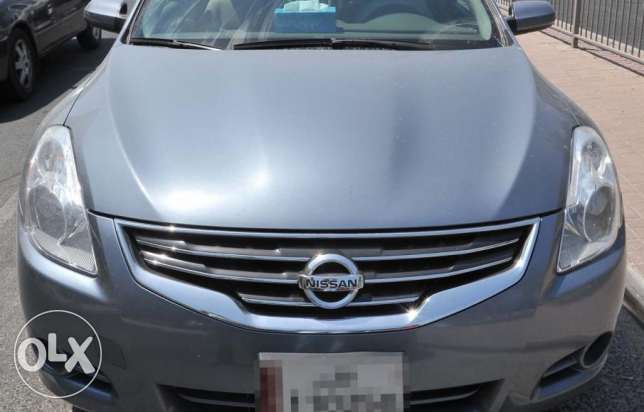 NISSAN Altima 2011 - Full option for sale (or) exchange with SUV