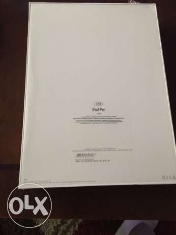 IPAD PRO 12.9, 32 GB, Silver. New in sealed box.