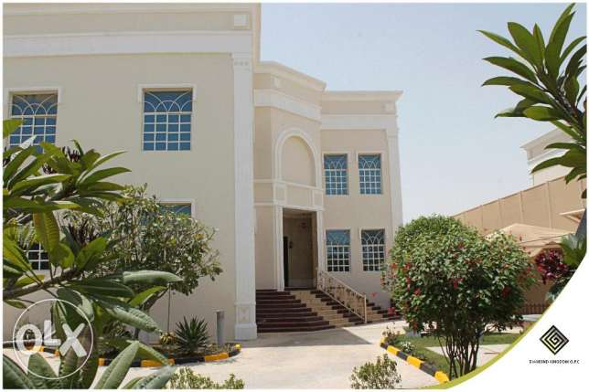 Big Commercial or Residantial Villa for Rent 1800SQM Total Area-Dafnah