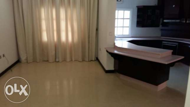 Ample Standalone villa with pool in Abuhamour Near Dar salam mall أبو هامور -  3