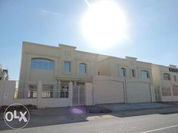 Semi Commercial Villas Available in Madina Khalifa