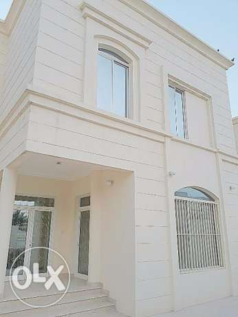 Service villa/Semi commercial villa for rent at Duhail