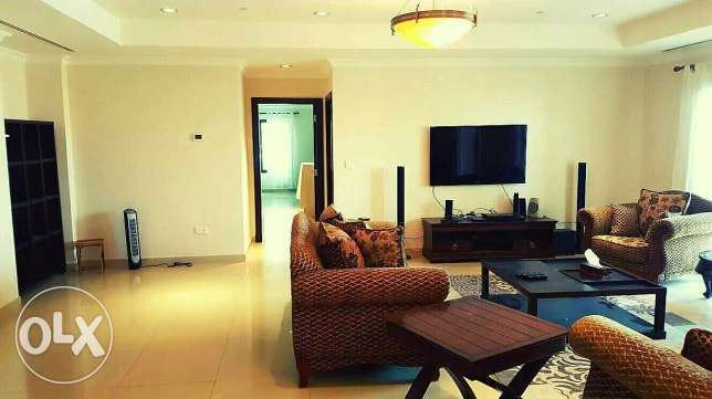 2 bedroom 230sm fully-featured apartment in pearl port_Arabia