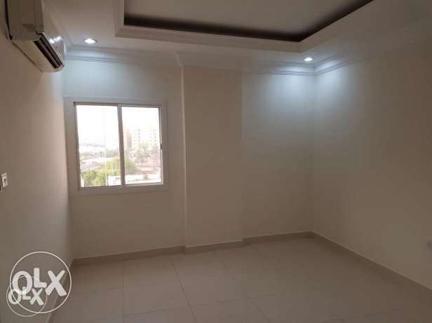 Unfurnished 2-BEDROOMS Apartment in AL Sadd السد -  6