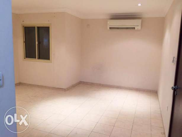 Un-Furnished 2-BHK Flat in {Mushaireb) المشيرب -  2