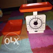 used once small weighing scale in very good condition for Only 25QR