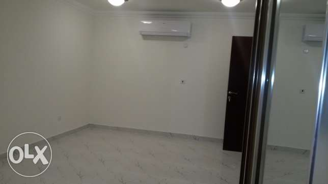 Studio Room Available For Executive Bachelor, Rent-2,800 QR ام غويلينه -  1