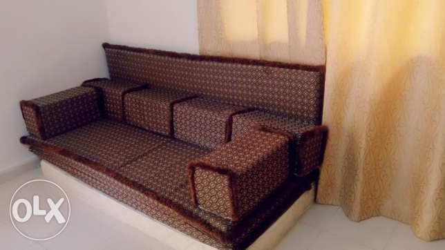 used Arabic type 3 bed with 6 pillow - QAR 150/- المطار القديم -  2