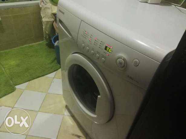 Samsung front loading 8 kg washing machine for urgent sale