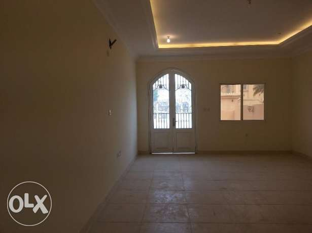 service Villa in Al-Duhail 700meters 7BHK with A/C