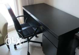YRY - Black Office Desk
