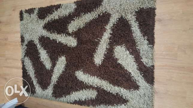 2 Carpets for sale 220x145cm and 173x115cm الغرافة -  2