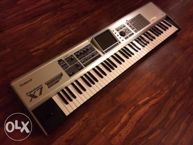 Roland Fantom-X7 76 Key Workstation Keyboard