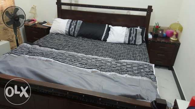King size Bed and dressing table for sale