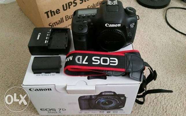 BRAND NEW! Canon EOS 5D Mark IV Digital SLR Camera Body 30.4 MP Full-F