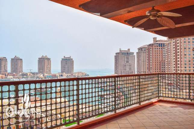 3-BEDROOM + Maid's Room, Apt at Sought-After Tower - Full Marina View