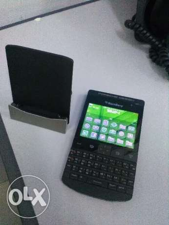 Blackberry Porsche Design P9981 with Genuine Charging Dock