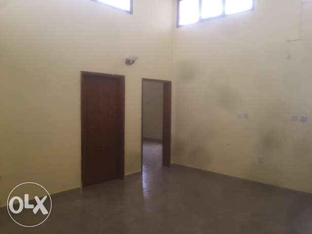 3bedroom 2bathroom hall near Gharrafa. Part of villa