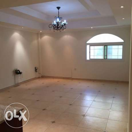 unfurnished 3-Bhk Flat in AL Nasr النصر -  5