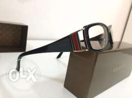 Black gucci reading glasses in mint condition
