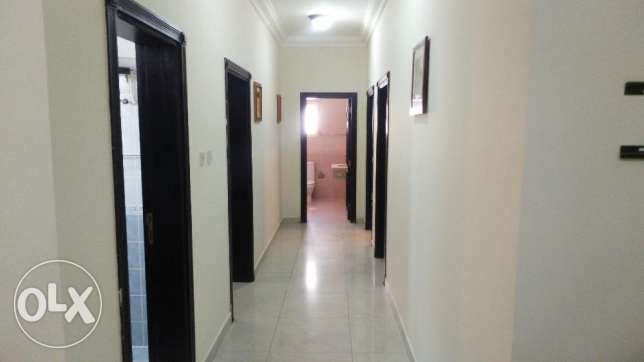 2 bedroom flat ( old airport area )