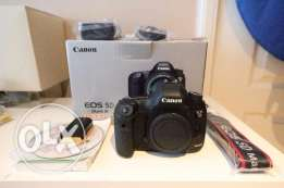 Canon EOS 5D Mark III Body Only with original box and accessories