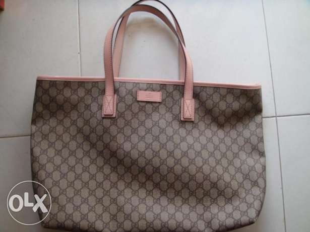 Am selling a brand new gucci bag from usa
