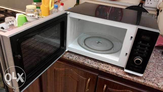 LG Microwave wavedom for urgent sale