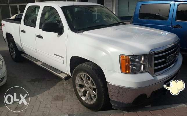 GMC Sierra model 2013, perfect condition