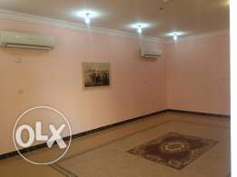 Villa for rent in Al Gharafa 5bedrooms with A/C Inside compound
