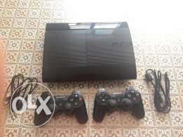PS3 super slim 500GB and 2 controllers for a bargain !!