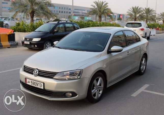 Volkswagen - JETTA Model 2011- Full Options