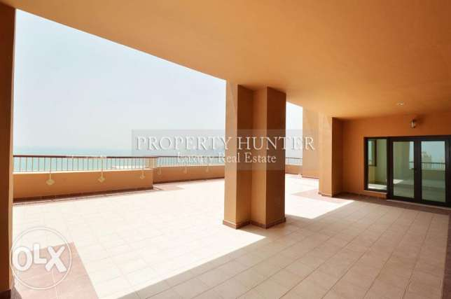 Enticing Sea view in 4+Maid Penthouse