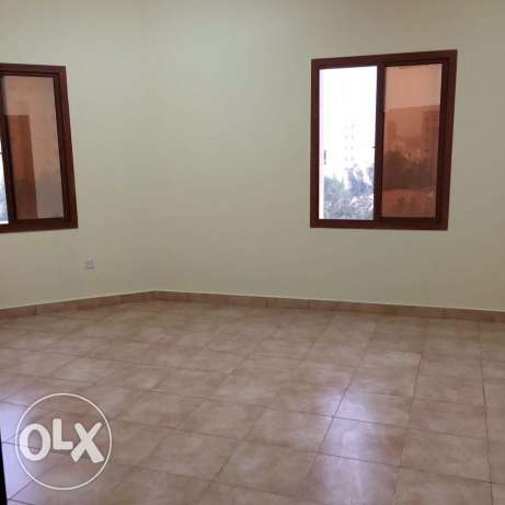 Unfurnished 3-Bedrooms Apartment in Fereej Bin Mahmoud فريج بن محمود -  8