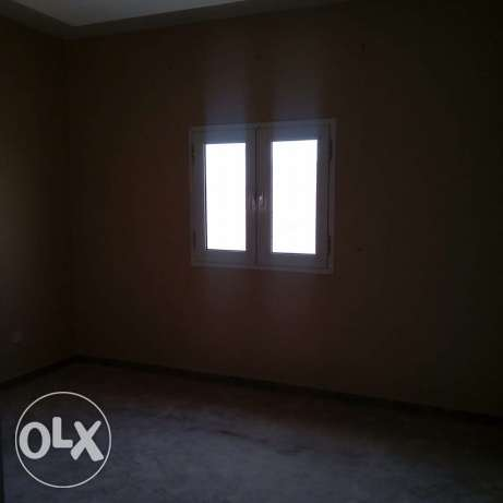Luxury Unfurnished 2-Bhk Apartment in AL Nasr النصر -  8