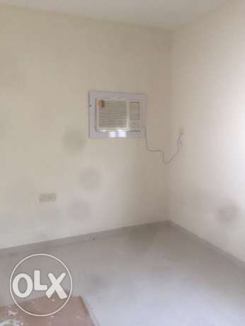 Room available near qatar shopping t v round
