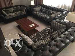 new living room , excellent leather , classy 7 seat ,